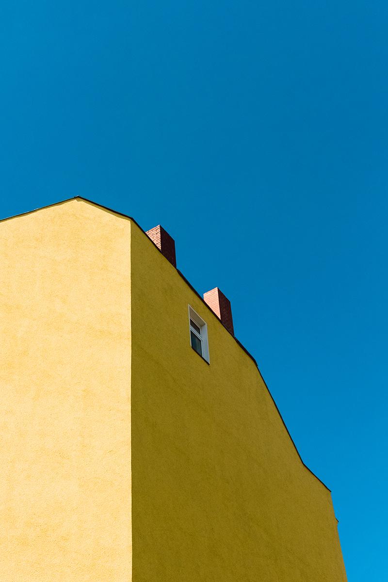 Samuel_Zeller_Yellow_building_6570.jpg