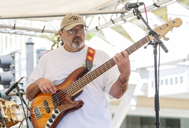 Randy Tucker: Bass Guitar