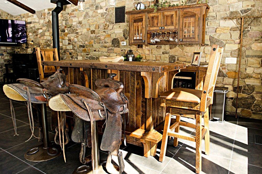 bar & rec room -