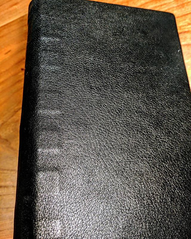 A blank sketch book/notebook bound in the k118 or tight parchment style. Evidence of the parchment spine liners can be seen through the leather extending on to the covers. #parchment #k118 #leather #tightparchment