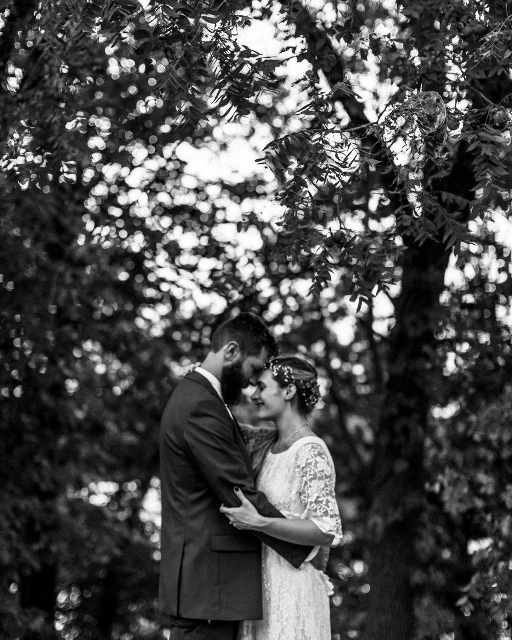 40_James P. Davis Hall Summer Wedding Kansas City_Kindling Wedding Photography.JPG