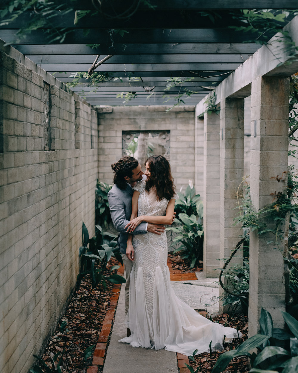 HOW TO: - FIND THE PERFECT WEDDING PHOTOGRAPHER