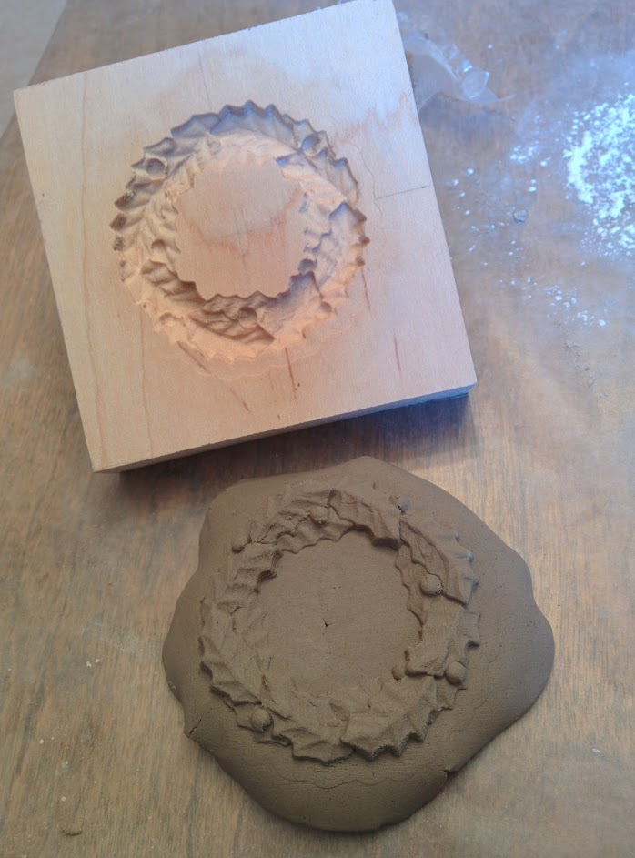 Fun clay mold perfect for making clay or salt dough tree ornaments. Fun for all ages!
