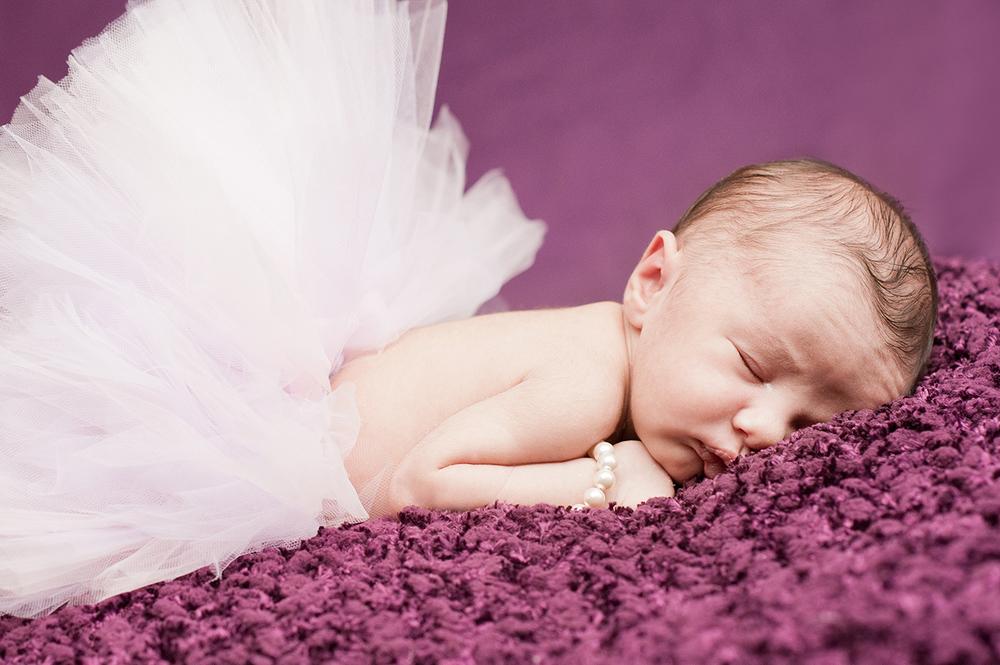 Aaliyah_NewbornSession-12.jpg