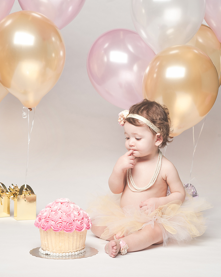 Olivias 1st Birthday Cake Smash Modern Imagery