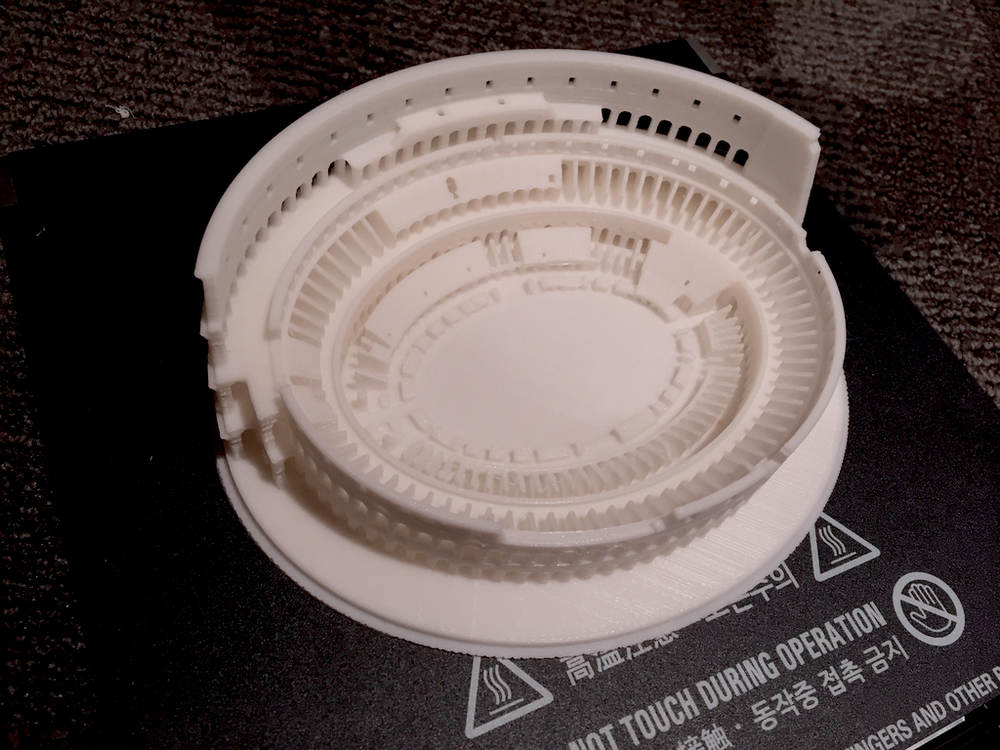 3dwox colluseum on plate - 1.jpg