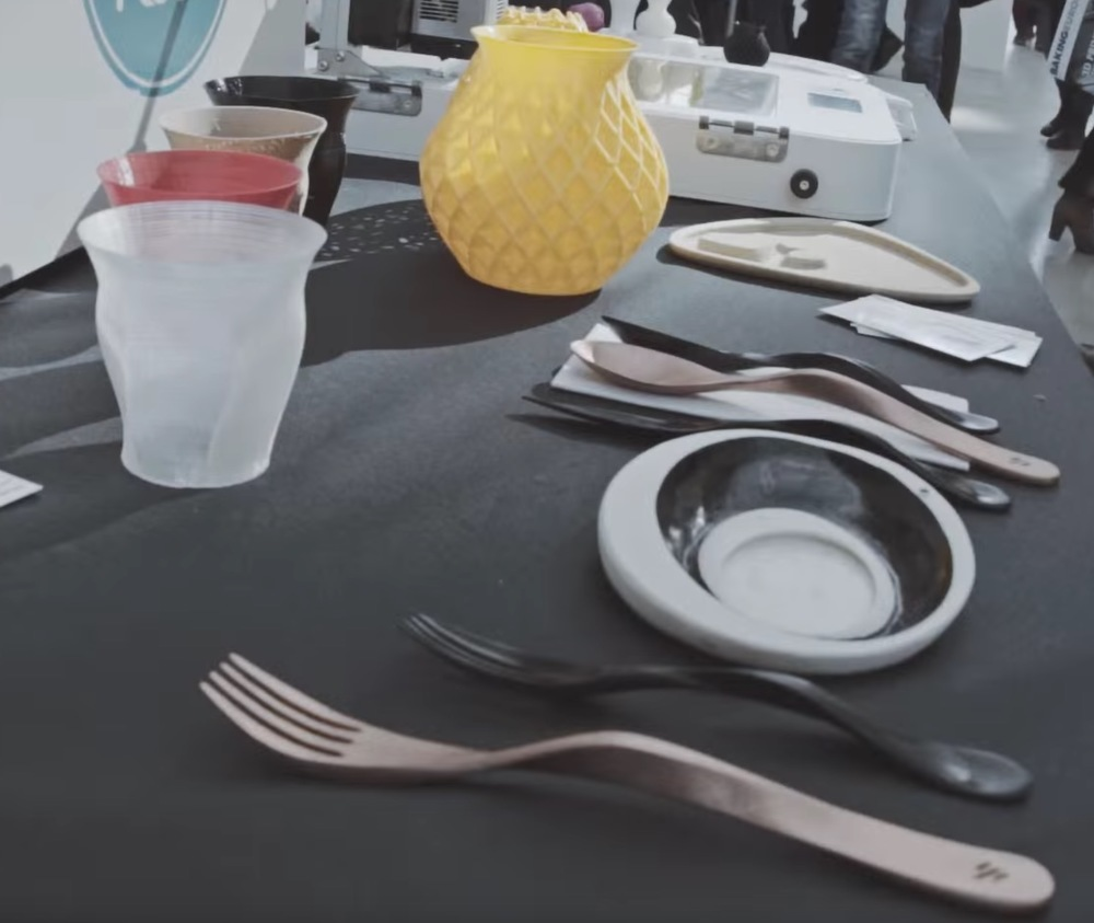 3D printed utensils to be used during the Food Ink dinners. I'm not sure about those cups...