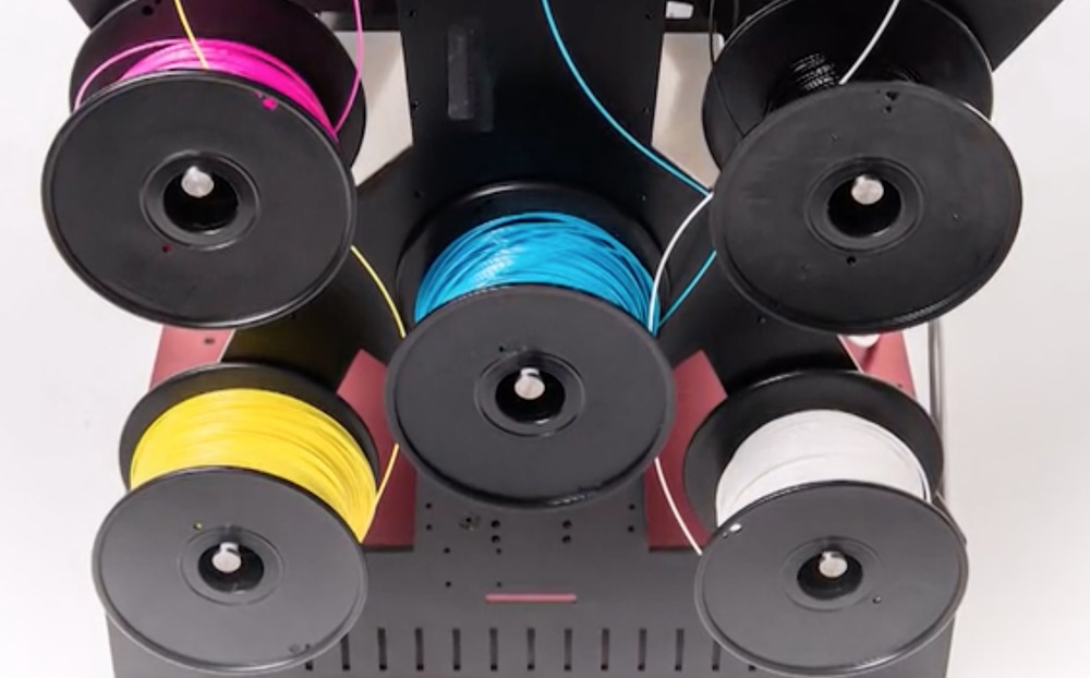 Five colors of filament are used by the RoVa4D 3D printer to generate any required color