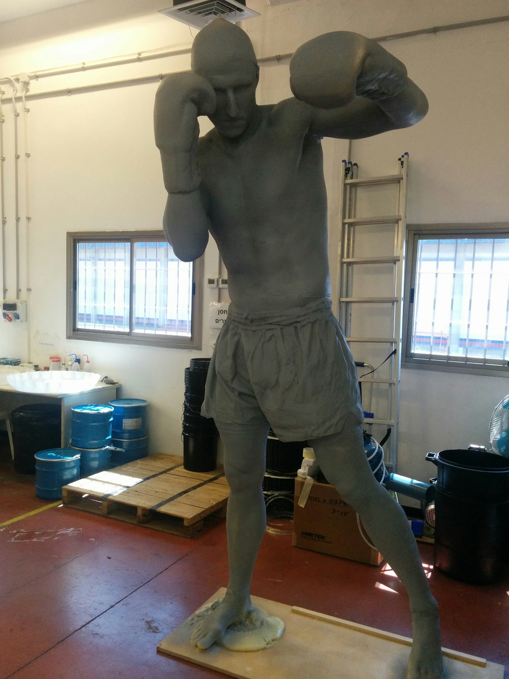 A full-size boxing figurine 3D printed on Massivit's large-format 3D printer