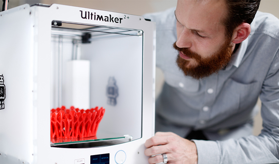 Examining a 3D print made from Ultimaker's new CPE+ material