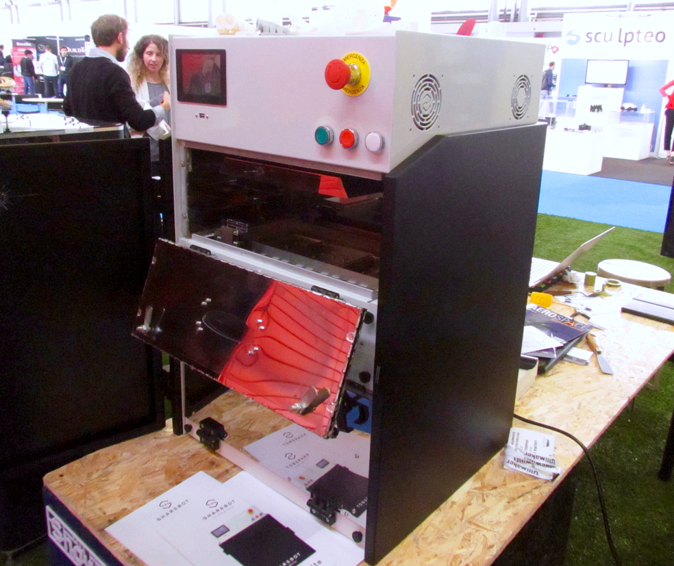 The Sharebot SnowWhite powder-based professional 3D printer