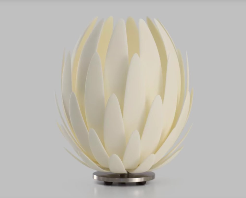 The famous 3D printed Lily Lamp