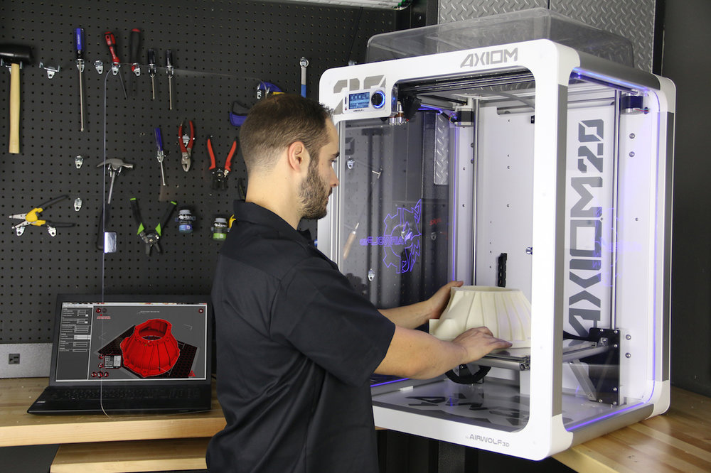 Using the massive AXIOM 20 desktop 3D printer