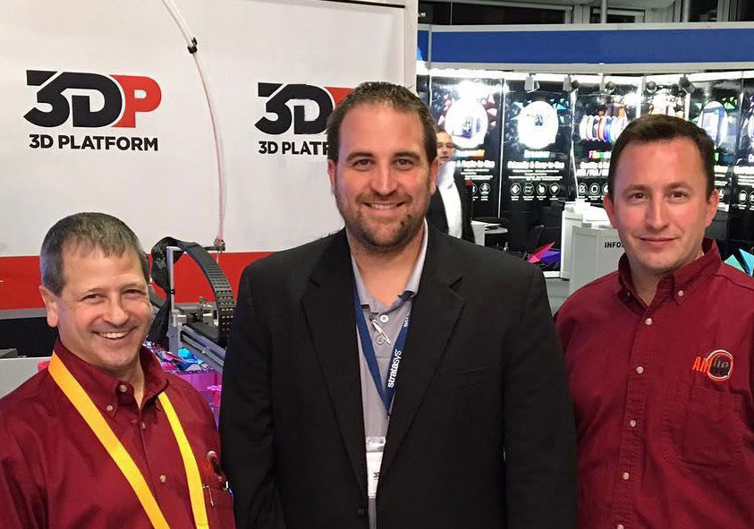 Jonathan Schroeder (center), President of 3D Platform