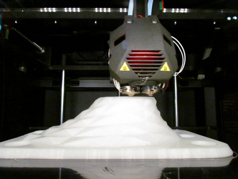 Inside the Minifactory Innovator desktop 3D printer