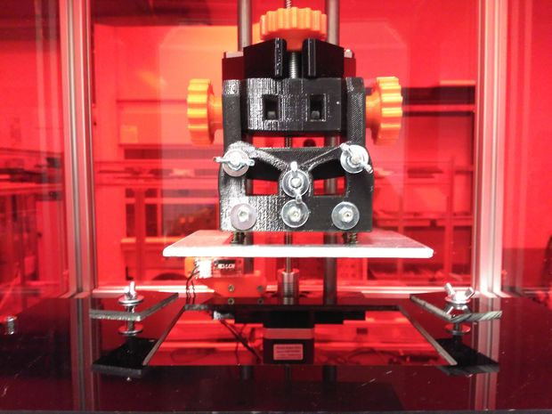 The RooBee One open source desktop 3D resin printer