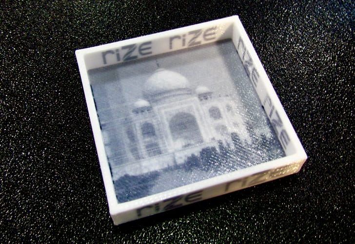 An image embedded in a plastic object 3D printed by the Rize system
