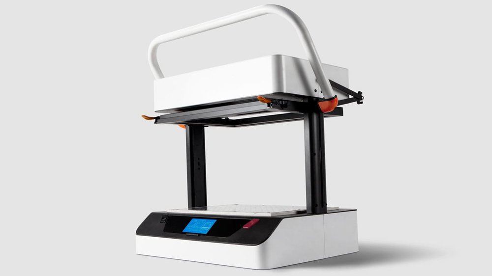 The Vaquform desktop vacuum forming machine