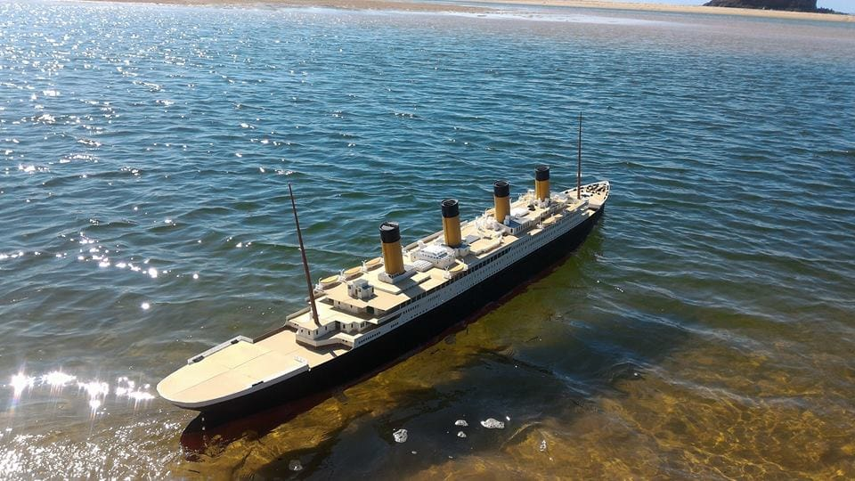 This 3.7m 3D printed Titanic sails by remote control