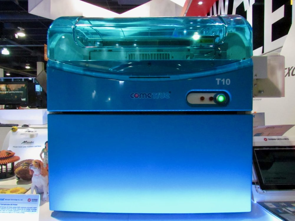 The ComeTrue T10, a full color 3D printer