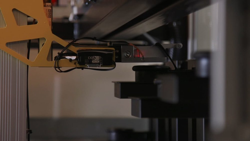 The robotic gantry system on the new Formlabs Form Cell 3D print automation system