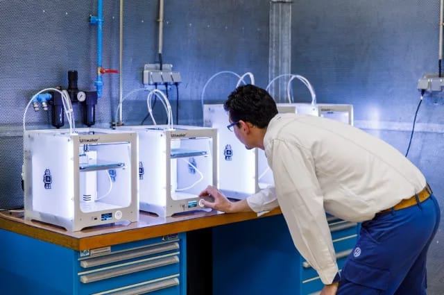 The printers are located near the assembly line for quick implementation, feedback and revision. (Image courtesy of Ultimaker.)