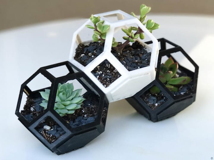 The 3D printed Plantygon modular plant pot