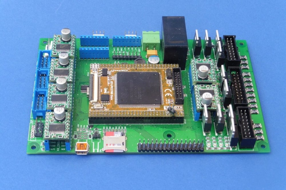 The new Fabricatus High Performance Electronic Controller Board v2.0 for 3D printers