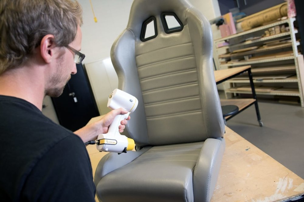 3D scanning a somewhat shiny racing chair