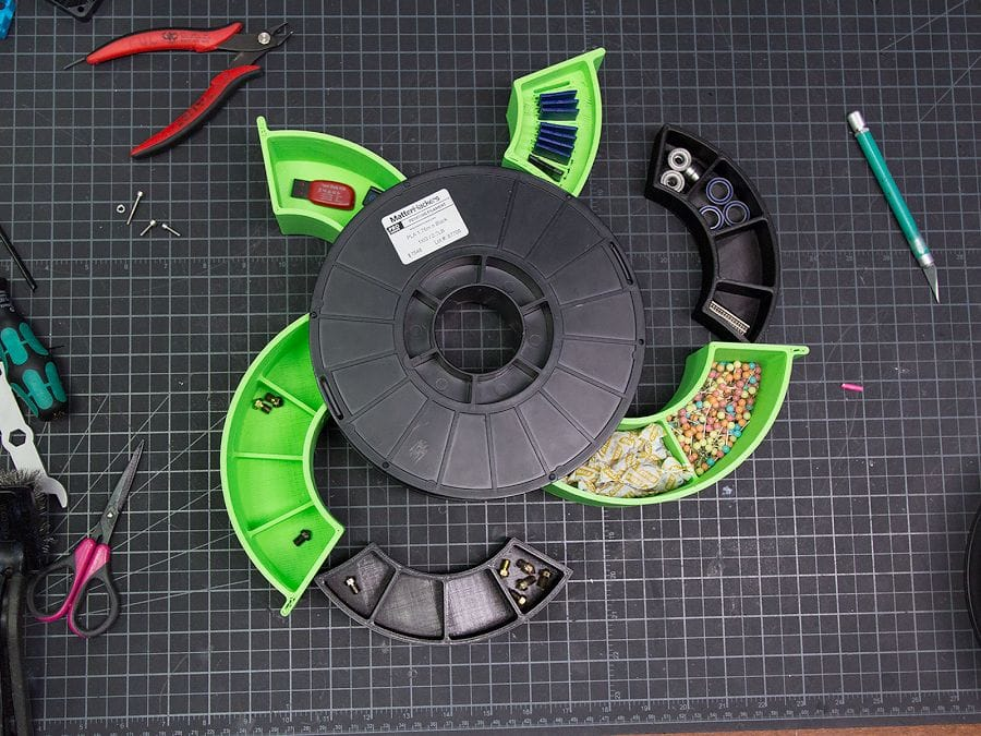 The 3D printed Spool Tool Desk Organizer