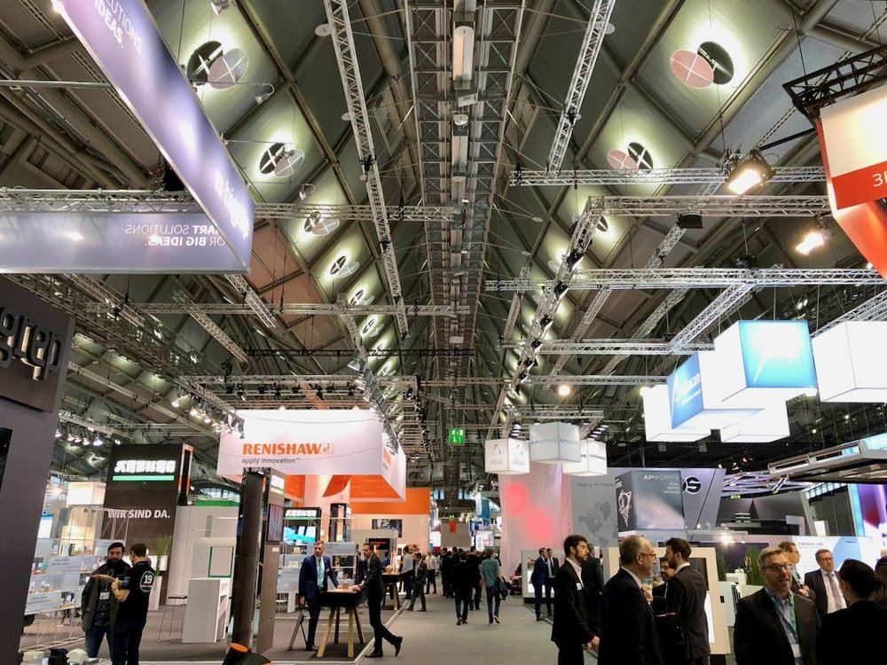 The cavernous central aisle in Hall 3.1 of FormNext 2017