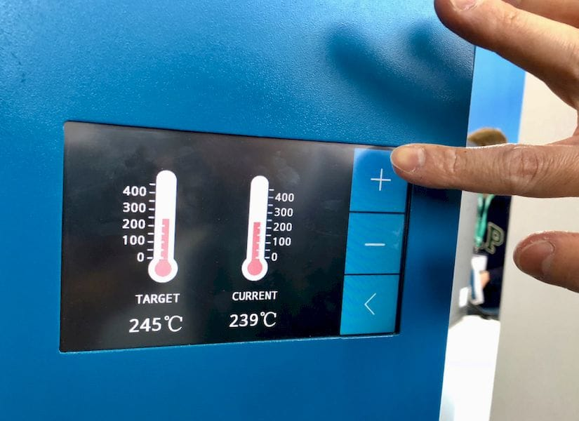 Dynamically adjusting the temperatures on the INTAMSYS FUNMAT PRO HT 3D printer