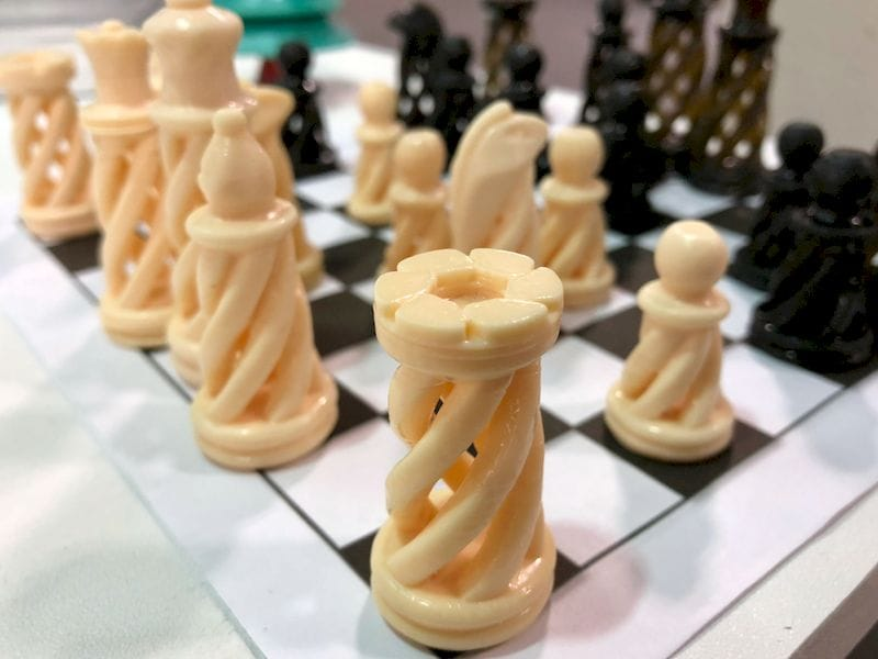 A high-resolution 3D printed chess set by T3D