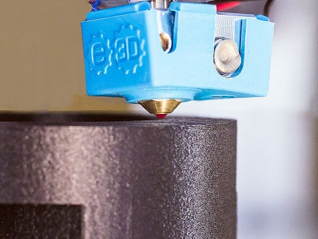 The Pulse XE desktop 3D printer includes an E3D hot end and ruby nozzle