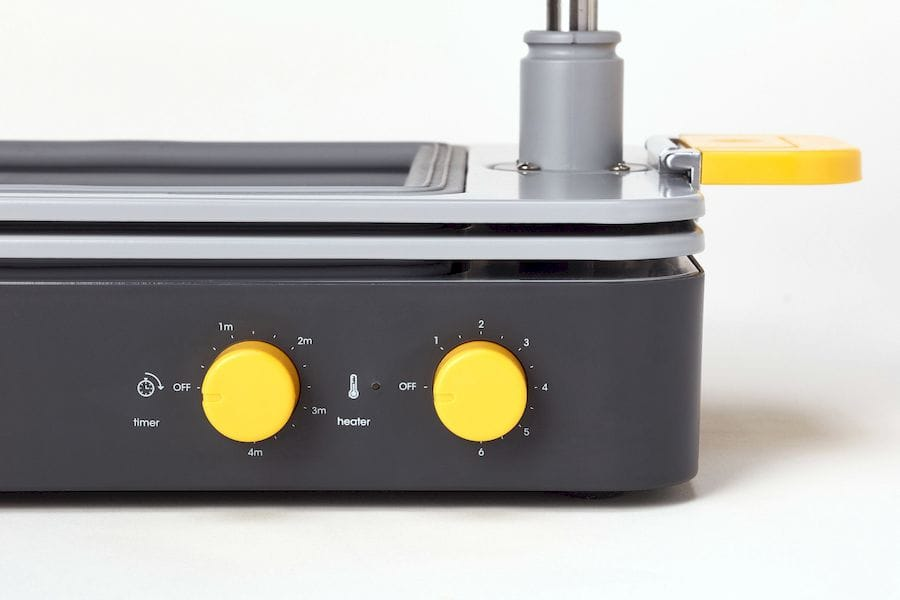 Temperature and timing controls on the FormBox tabletop vacuum former