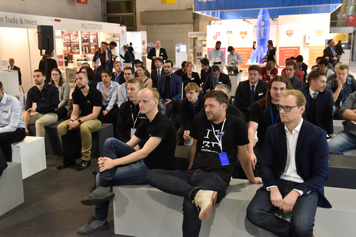 formnext attendees attending a conference session [Image: Mesago Messe Frankfurt GmbH]