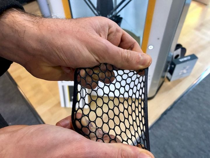 A flexible 3D print made on the Lynxter S600D [Source: Fabbaloo]