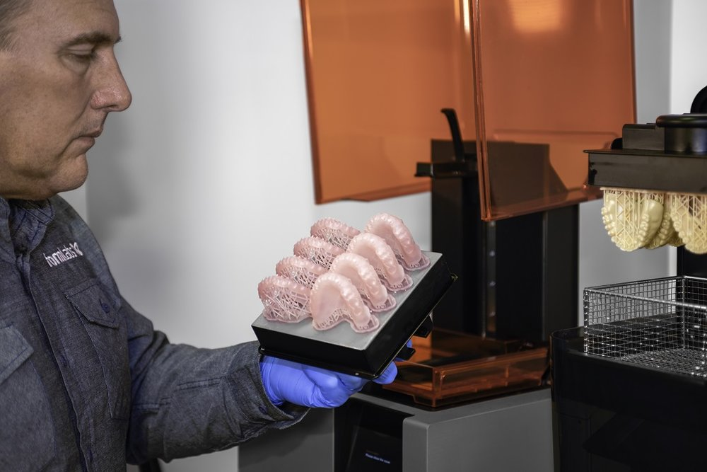 Digital Dentures production in process [Image: Formlabs]