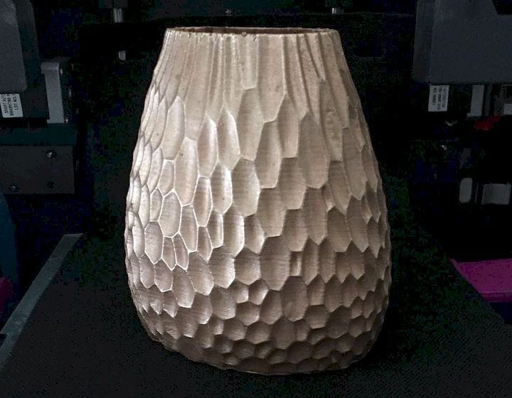 An electroplated 3D printed vase made on The Metallizr [Source: Dizingof]