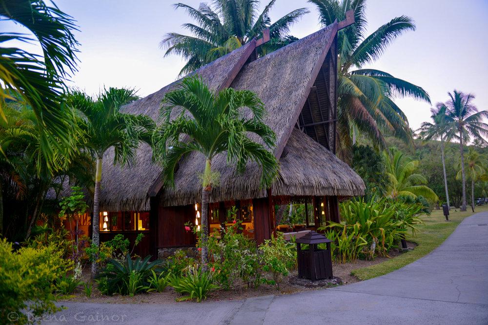 RTW Tahiti Sofitel 17 wm.jpg