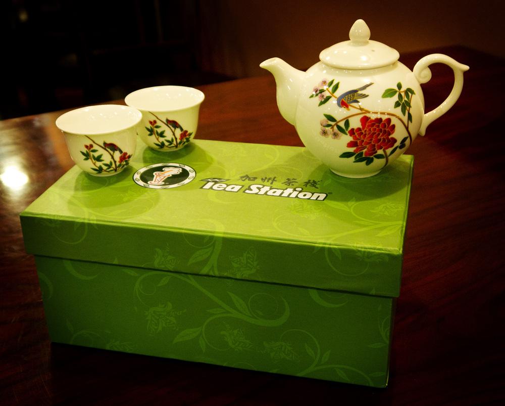 TeaPotSet02.jpg