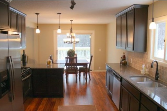 13213 Parkwood Drive - Burnsville, MN 55337  Represented Buyer  Listing & Photo Courtesy of RES Realty