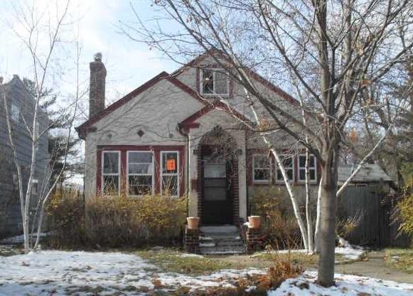 3304 36th Avenue South - Minneapolis, MN 55406  Represented Buyer  Listing & Photo Courtesy of Re/Max Advantage Plus
