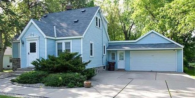 2655 Midvale Place East - Maplewood, MN 55119  Represented Buyer  Listing & Photo Courtesy of Re/Max Results
