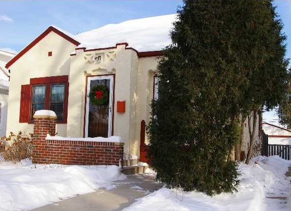 4625 Drew Avenue South - Minneapolis, MN 55410  Represented Buyer  Listing & Photo Courtesy of Edina Realty