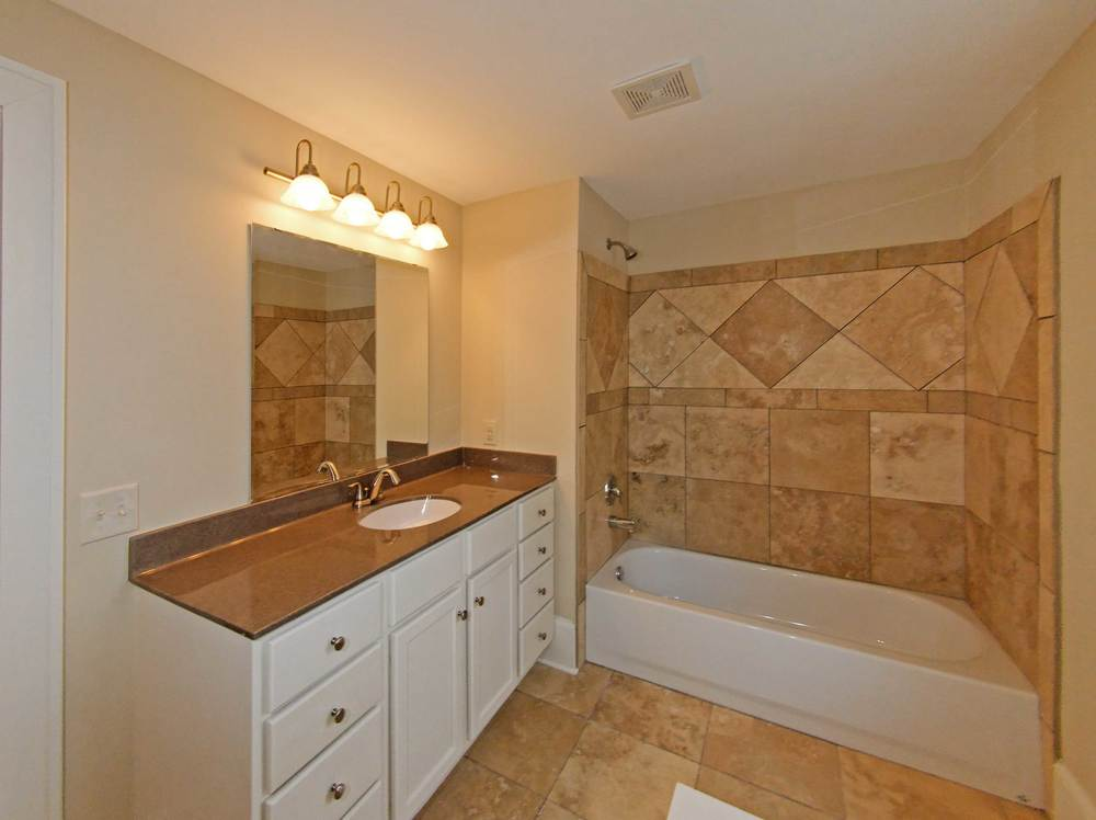 2738-bathroom.jpg