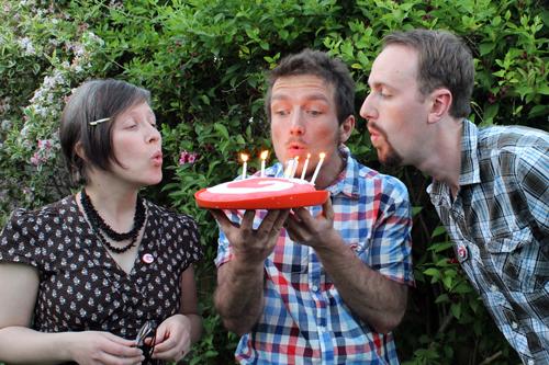 Celebrating Guru Mag's 1st birthday! (photo credit: Guru Magazine)