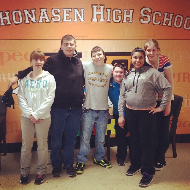 Check out these extraordinary #differencemakers from #Mohonasen High School! Using their own money from various fundraisers and work opportunities, these #specialneeds students purchased much-needed supplies for @theautisminitiative's #Schenectady Community Room, coming to @puzzlesbakerycafe this summer. Amazing! We can't thank you enough. ❤️ #generosity #makingadifference #givingback #communityheroes
