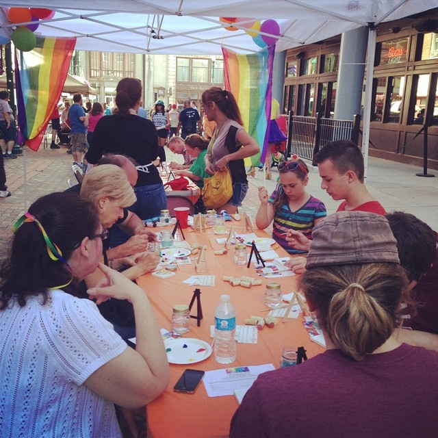 Having a great time at #PaintwithPride at Schenectady Pride to benefit @theautisminitiative! ❤️