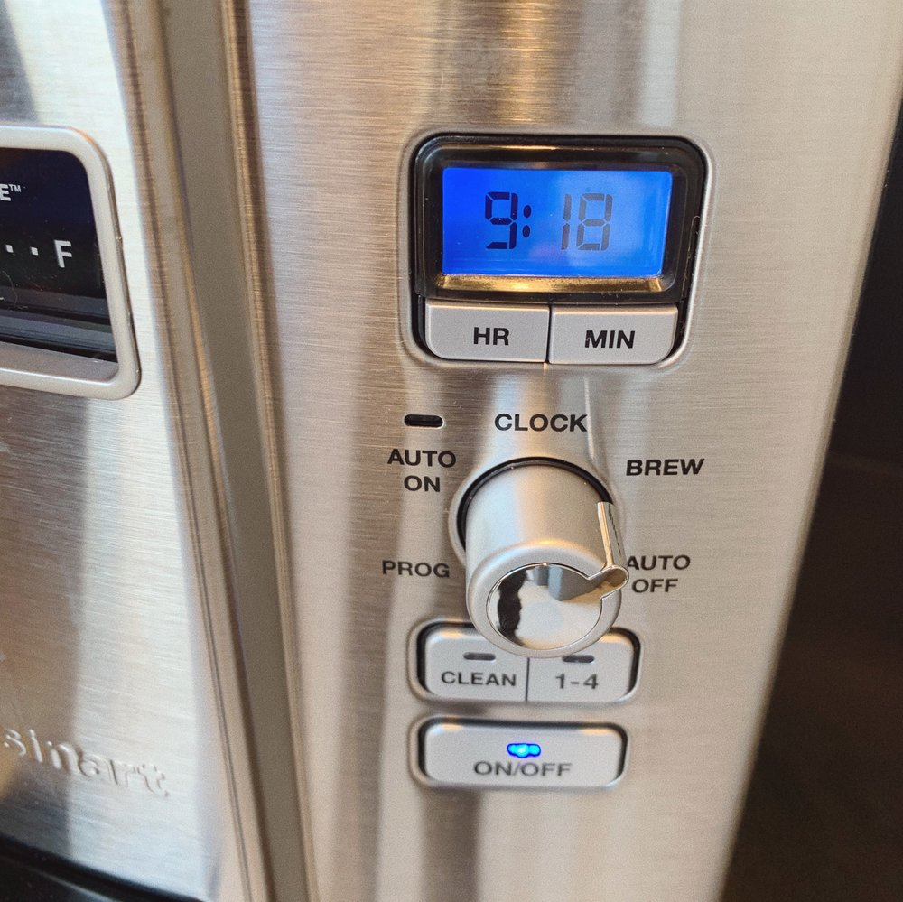 """Set the dial to """"BREW"""" and push """"ON/OFF"""" (you want the light to be blue)"""